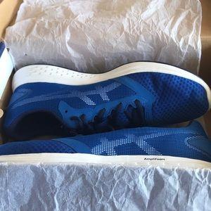 Brand new ASICS Men's US 9 - Patriot Shoes Blue